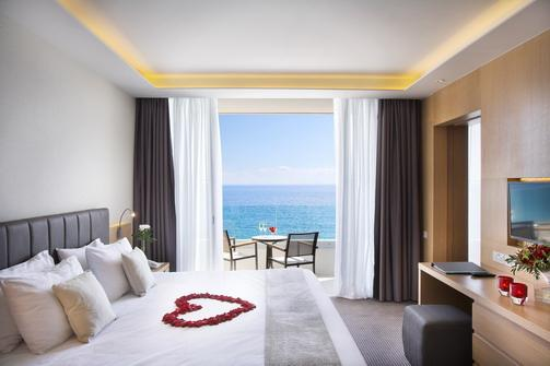 Royal Apollonia Beach-Honeymoon Suite