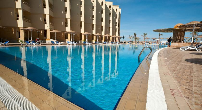 AMC Royal Hotel, For Egyptians And Foreign Residents Only