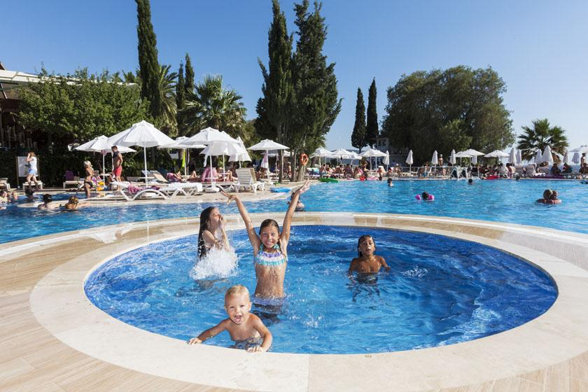 Vera Miramar Resort-Children Pool
