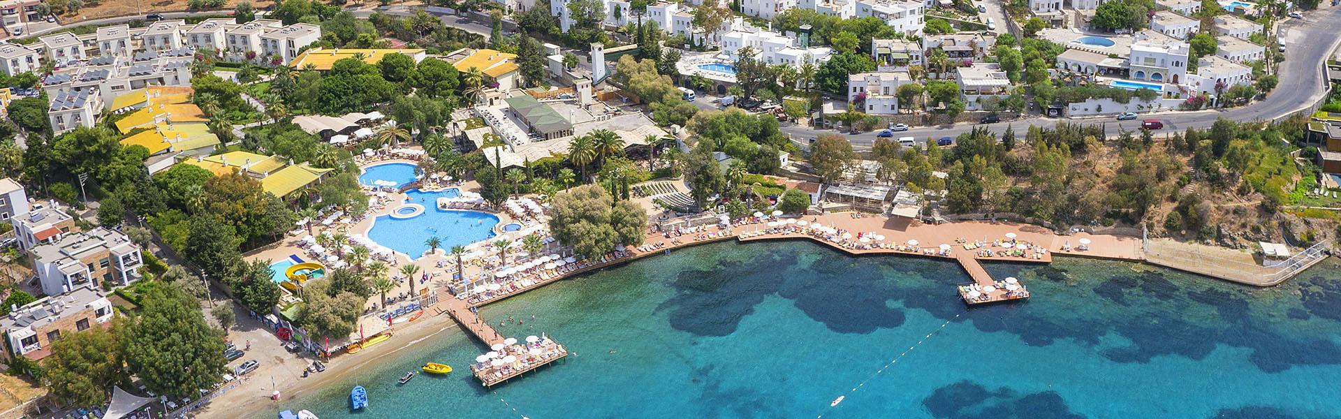 Vera Miramar Resort-Overview