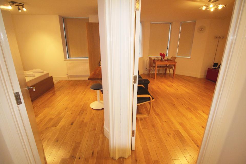 Croydon Serviced Apartments Corridor