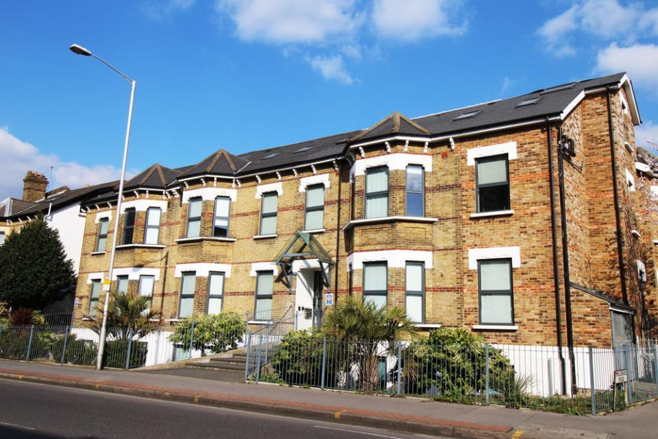 Croydon Serviced Apartments Entrance