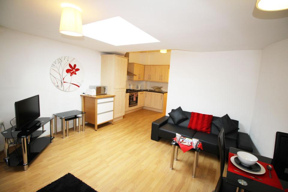 Croydon Serviced Apartments Open Plan Lounge