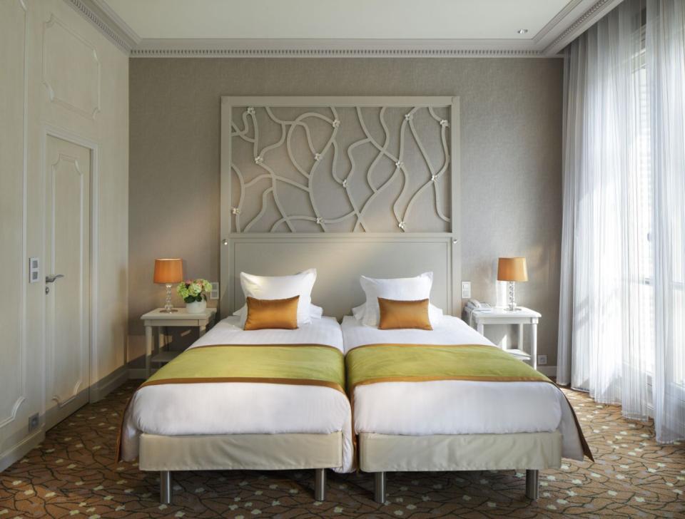 Splendid Etoil - Paris - Twin Room.jpg