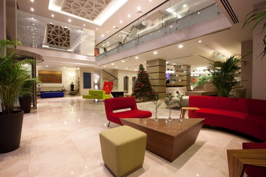 Ramada Plaza - Istanbul - Lobby 1.jpg