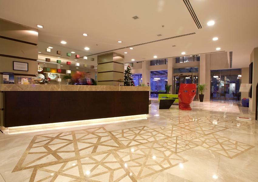 Ramada Plaza - Istanbul - Lobby.jpg