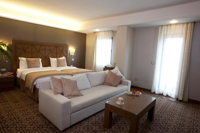 Ramada Plaza - Istanbul - Suit Room 2.jpg