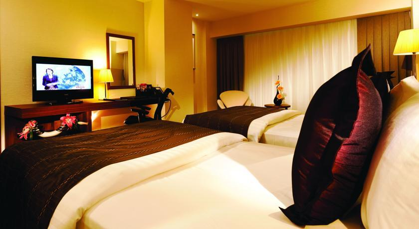 Crown Plaza Harbiye - Istanbul - Twin room.jpg