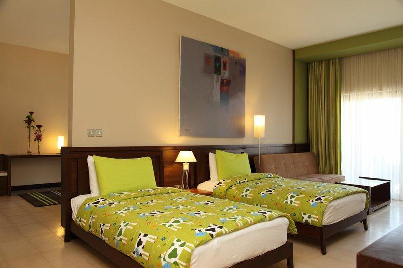 Holiday Inn Resort - Dead Sea - Twin Room.jpg