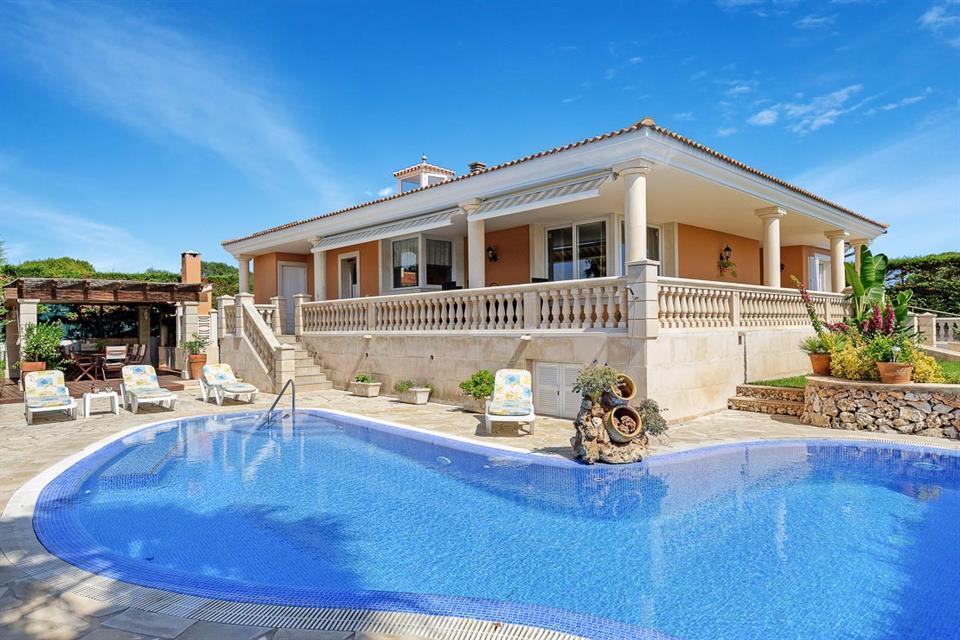 Villa Manoli