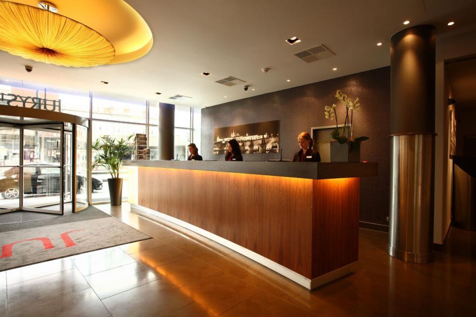 Jurys Inn - Belgrade - Reception.jpg