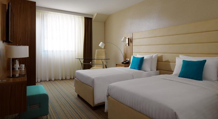 Courtyard Marriott - Belgrade - Room (4).jpg