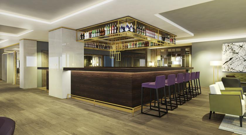 Courtyard Marriott - Belgrade - Bar & Restaurant  (1).jpg