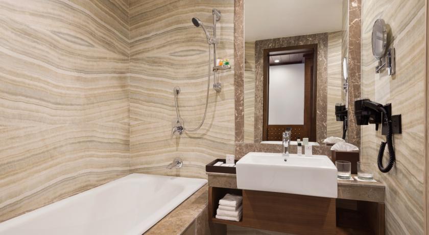 Ramada Plaza - Agra - Room (2).jpg