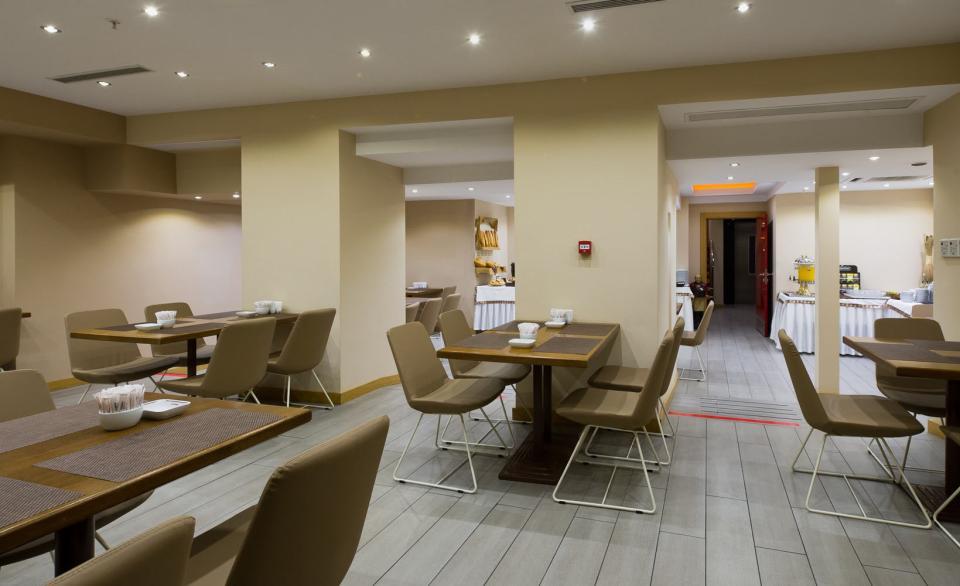 Olimpiyat Hotel - Istanbul - Restaurant (1).jpg