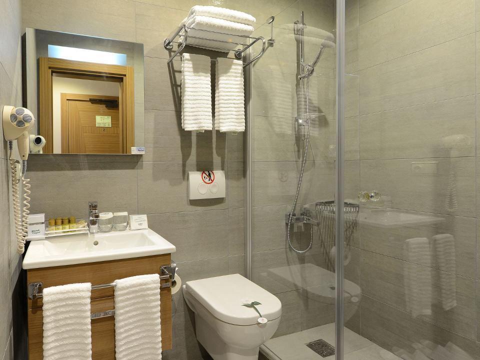 Olimpiyat Hotel - Istanbul - Room (2).jpg