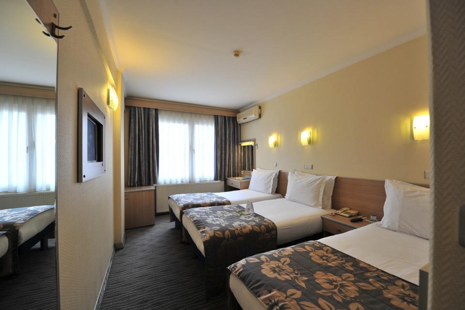 Olimpiyat Hotel - Istanbul - Room (7).jpg