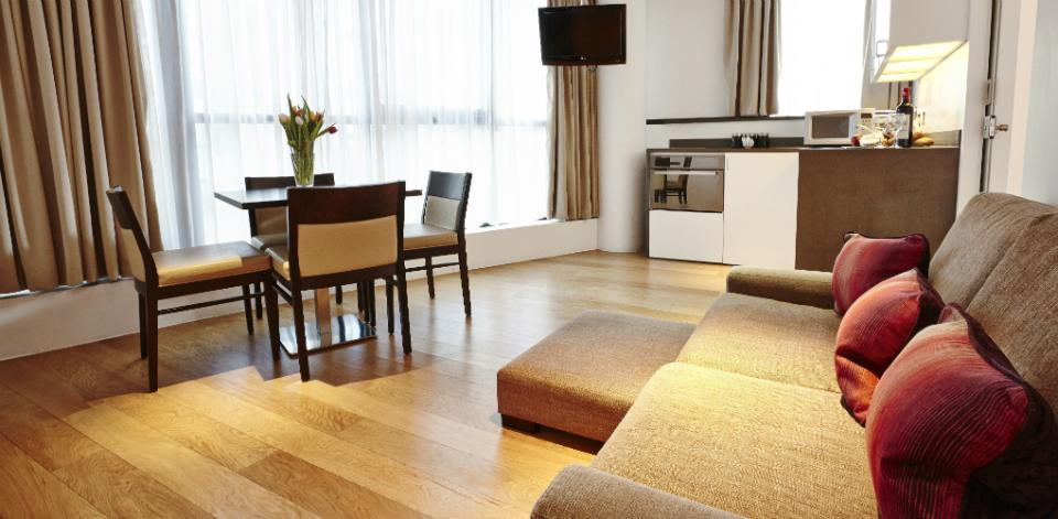 Tower Bridge Apartments - Two bedroom living room
