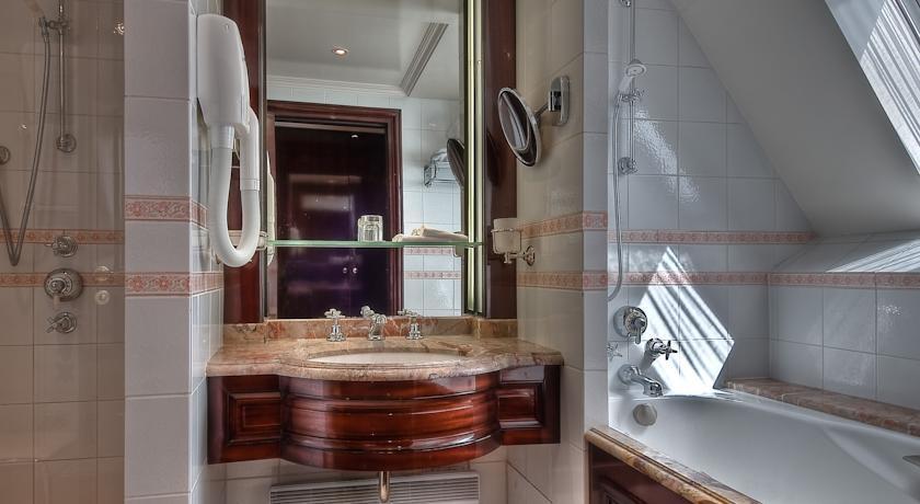 Franklin Roosvelt - Paris - Rooms (5).jpg