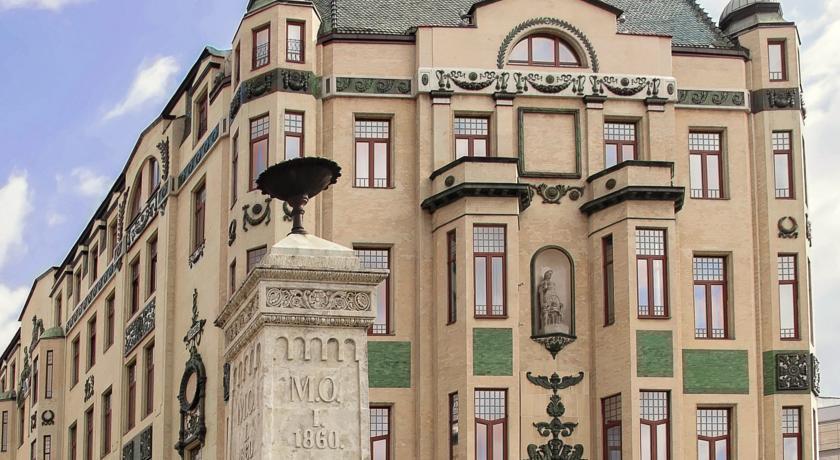 Moskva Hotel - Belgrade - Facade (2).jpg