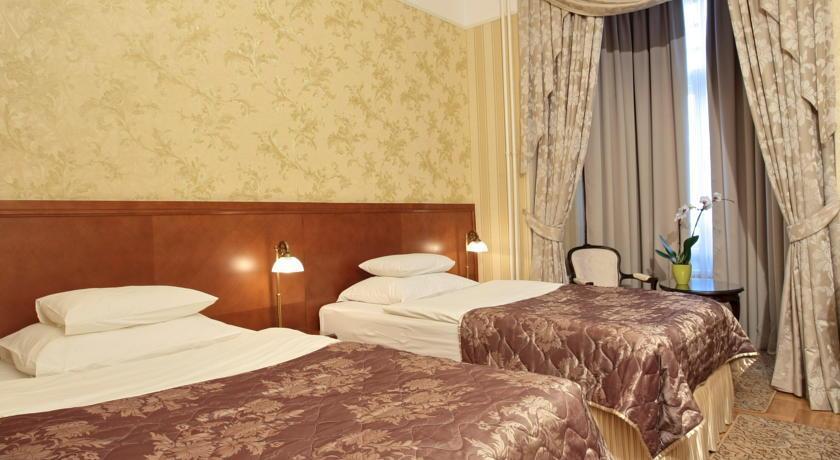 Moskva Hotel - Belgrade - Room  (1).jpg