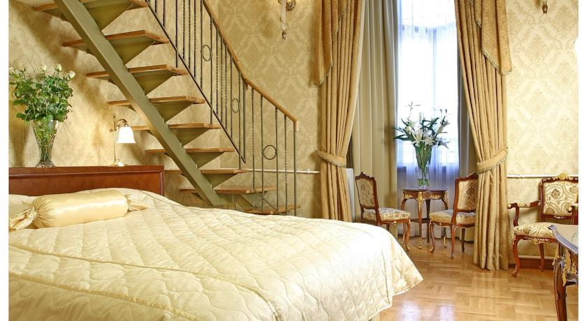 Moskva Hotel - Belgrade - Room  (3).jpg