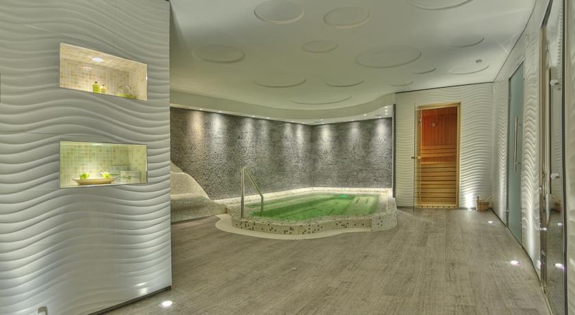 Moskva Hotel - Belgrade - Spa (3).jpg