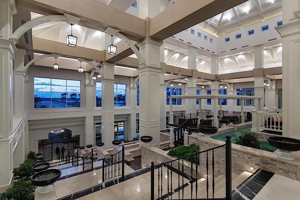 Titanic Deluxe-Lobby