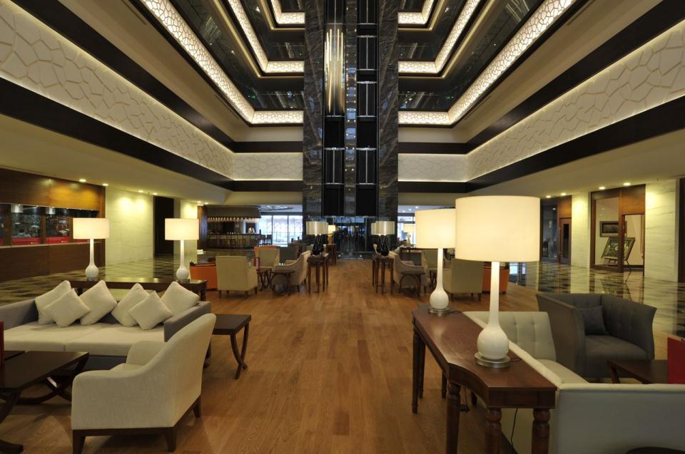 Ramada Plaza Antalya-Lobby