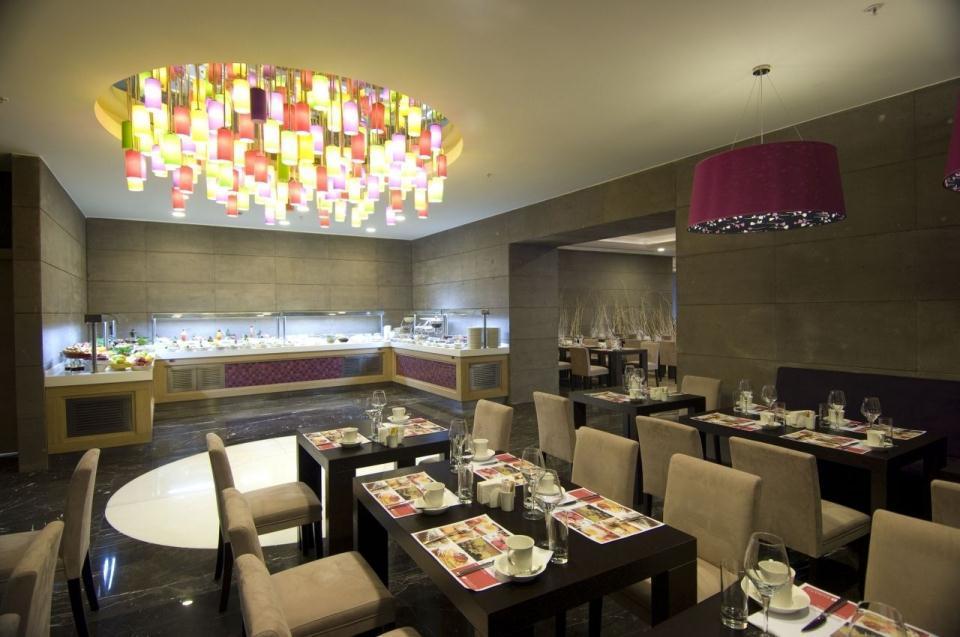 Ramada Plaza Antalya-Restaurant