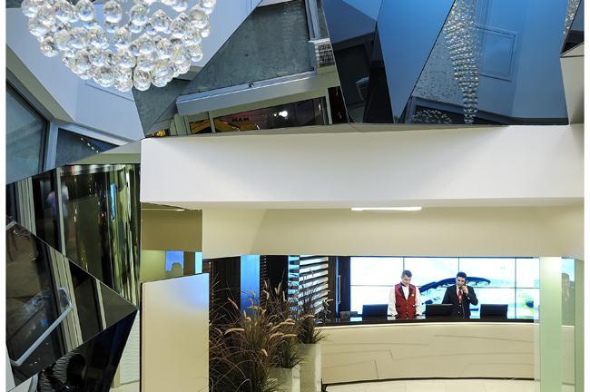 Cartoon hotel-Reception