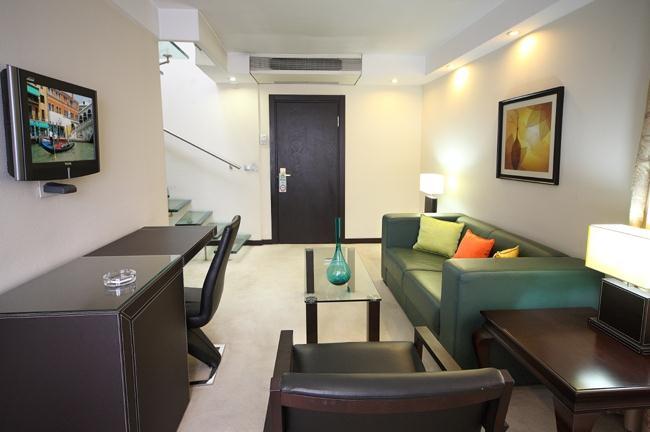Cartoon hotel-Living room