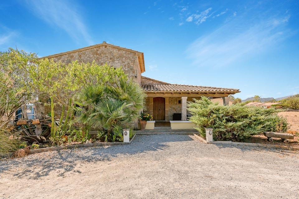 Villa Escondite