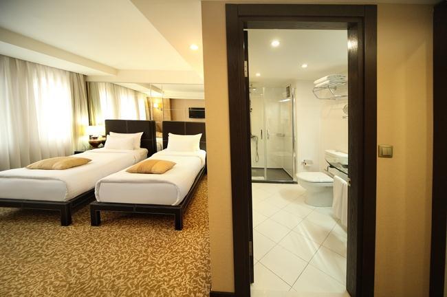 Cartoon hotel-Twin Standard