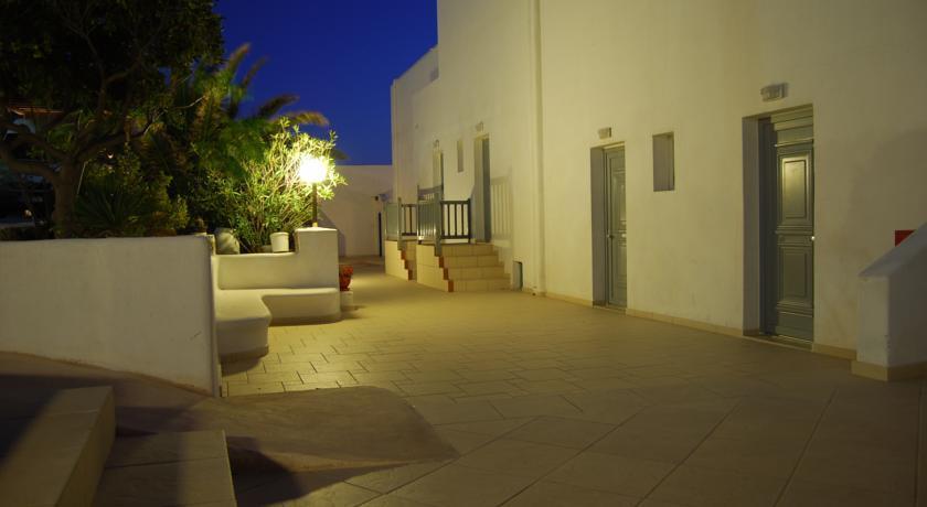 Gorgona Hotel - Mykonos - GV (2).jpg