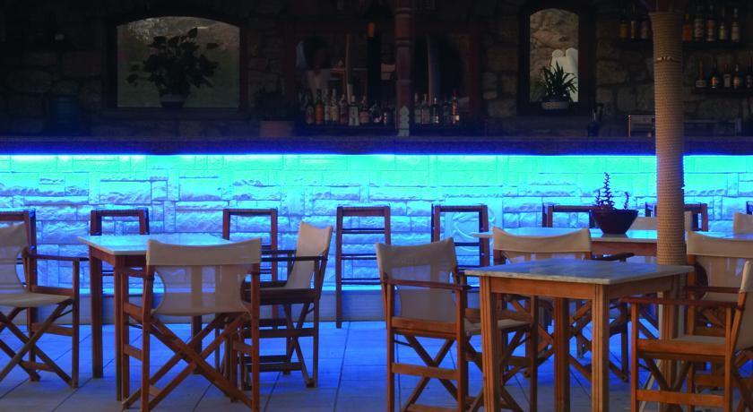 Gorgona Hotel - Mykonos - Restaurant (1).jpg