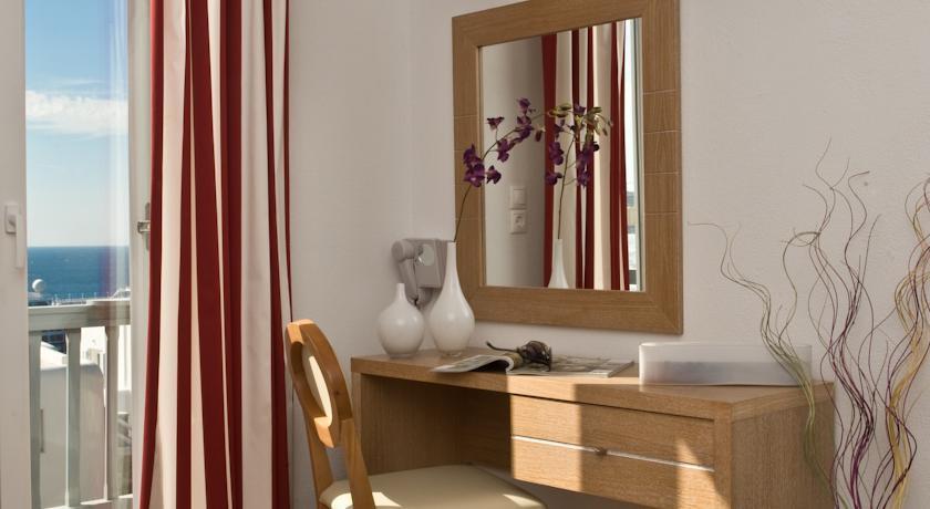 Gorgona Hotel - Mykonos - Room (2).jpg