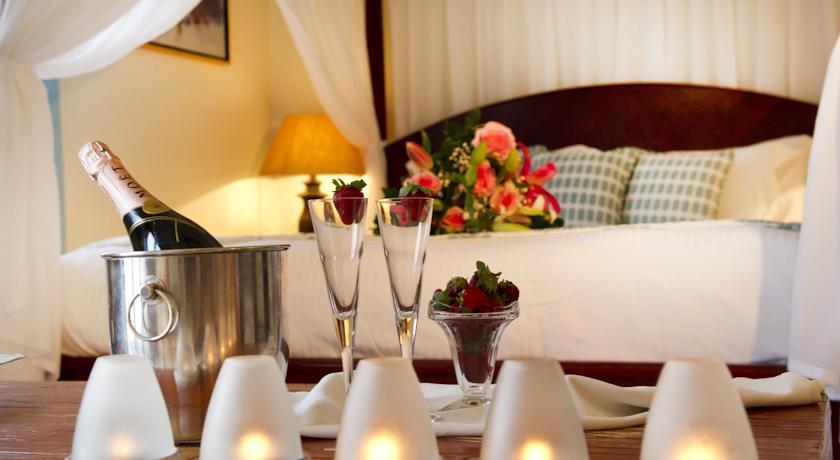 Petinos Beach Hotel - Mykonos - Room (10).jpg