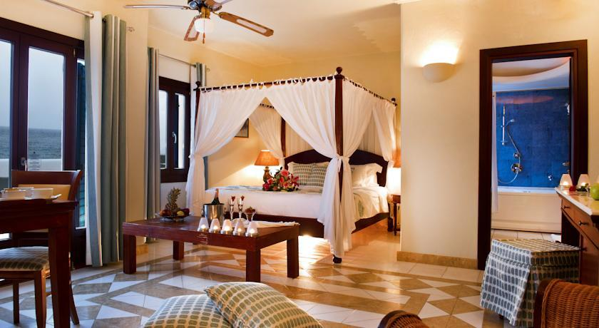 Petinos Beach Hotel - Mykonos - Room (12).jpg